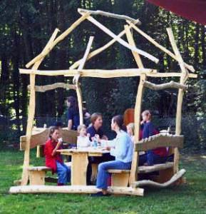 Ein Holzpavillon für die ganze Familie